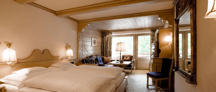 austria_arlberg-ski-area_lech_Hotel-Berghof_arlberg_double_bedroom.jpg